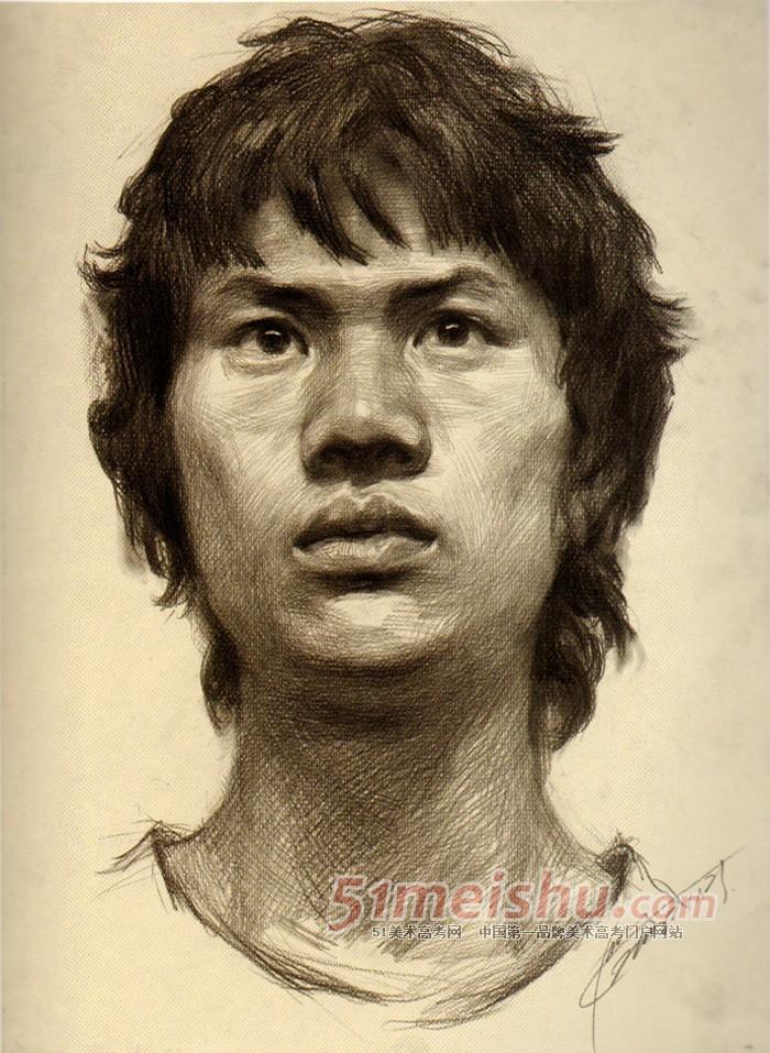 《美院视界--素描肖像教学现场》男青年正面头像素描写生作品